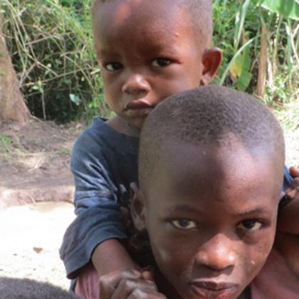 Yawkrarum - Viele Menschen leiden unter Hautproblemen, auf Grund von kantaminiertem Wasser